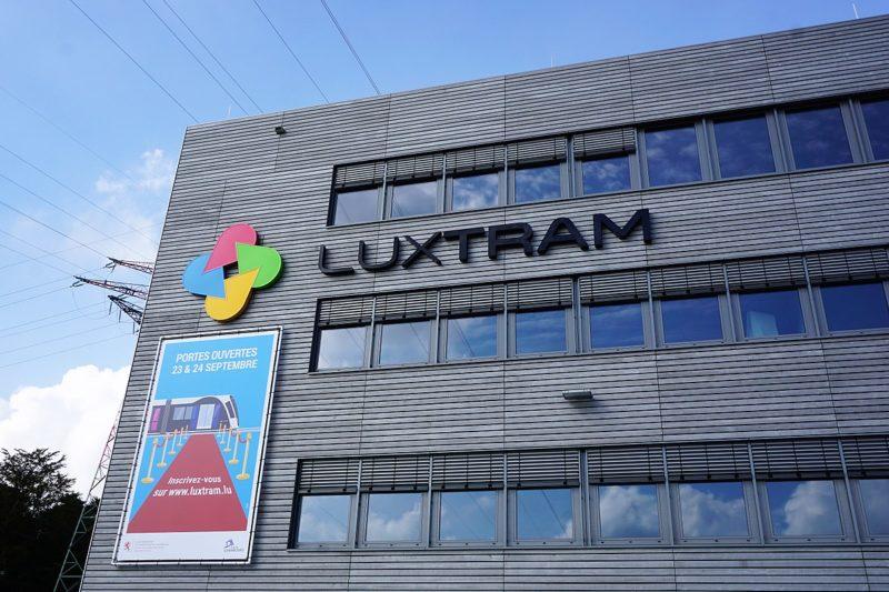 1200px-Luxembourg,_siège_Luxtram_(01)